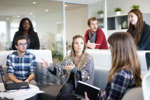 Le slow management permet de connaître ses employés