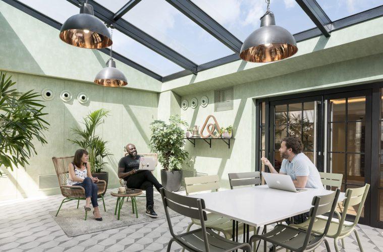 bureaux de startups : airbnb paris jardin d'hiver