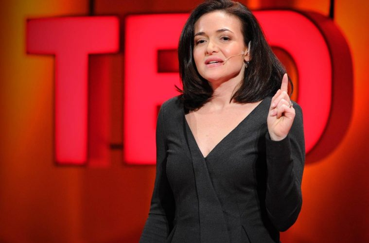 Sheryl Sandberg parle des femmes dirigeantes