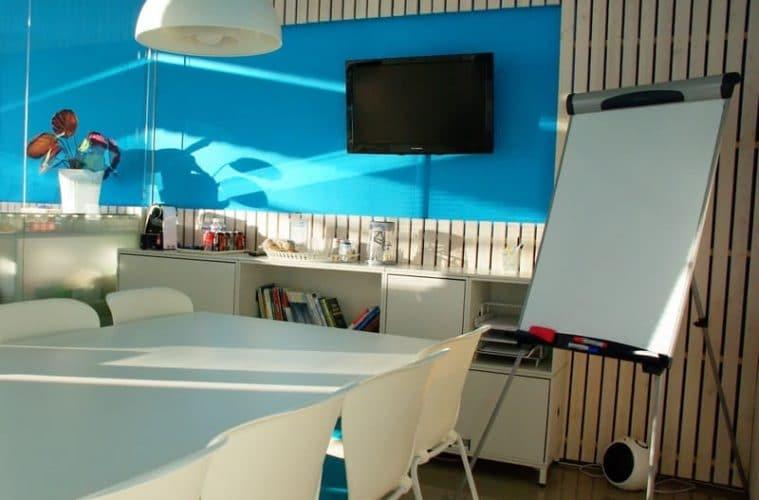 3 entreprises avec des bureaux comme à la maison
