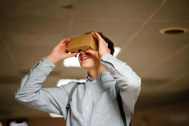Réalité virtuelle pour former les employés